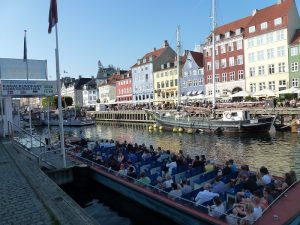 Eine Grachtenfahrt in Kopenhagen. Foto: Klemens Grätz